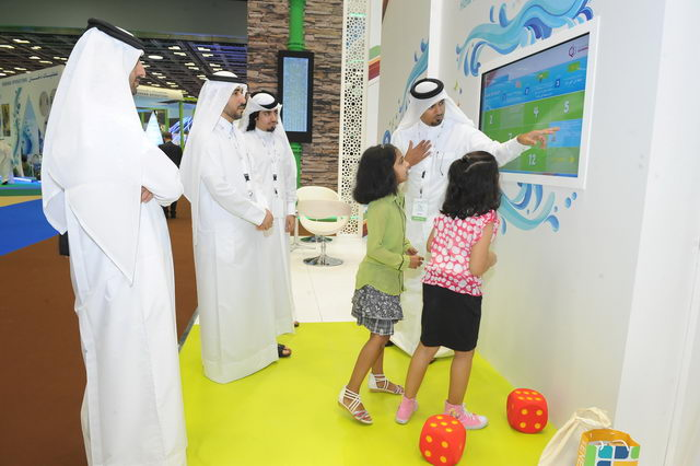 Qatargas attracts hundreds of visitors 2 [qatarisbooming.com].JPG