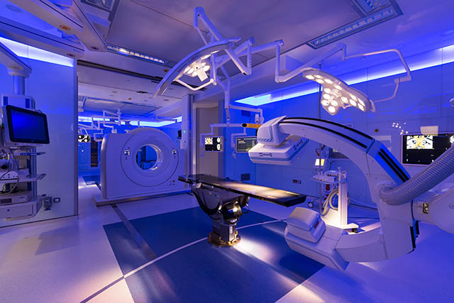 State-of-the-art operating theaters 2 [qatarisbooming.com].jpg